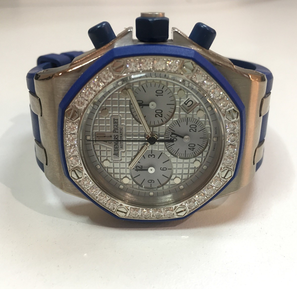 Pre-Owned Audemars Piguet White Gold Royal Oak  ChronoGraph Offshore with Diamond Bezel
