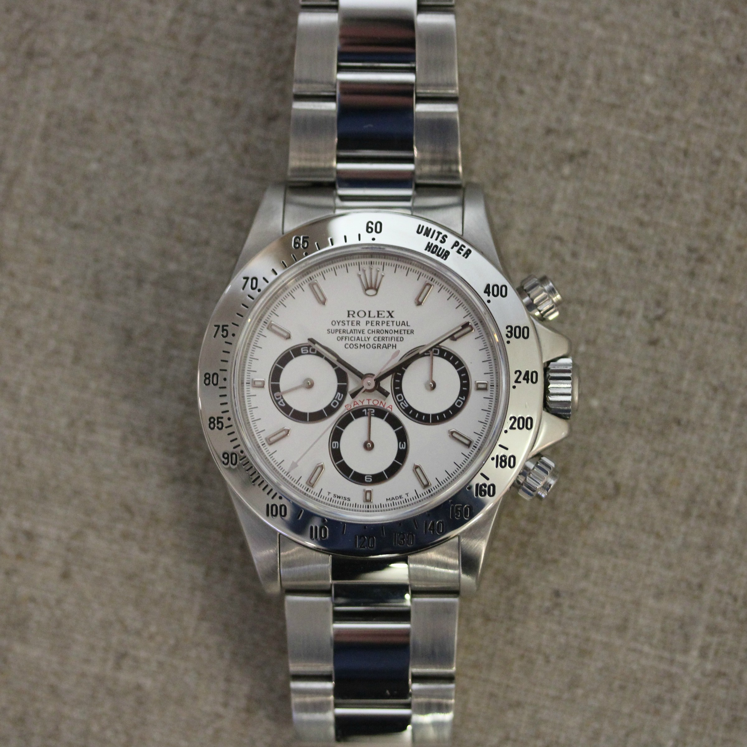 VINTAGE STAINLESS STEEL ROLEX DAYTONA 40MM WATCH WITH ZENITH MOVEMENT
