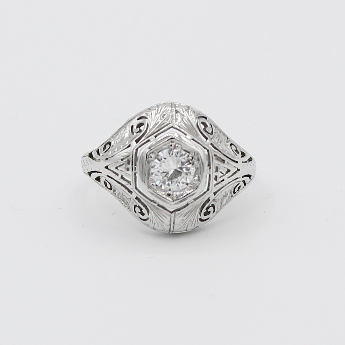 Vintage 18k white gold filigree antique diamond ring