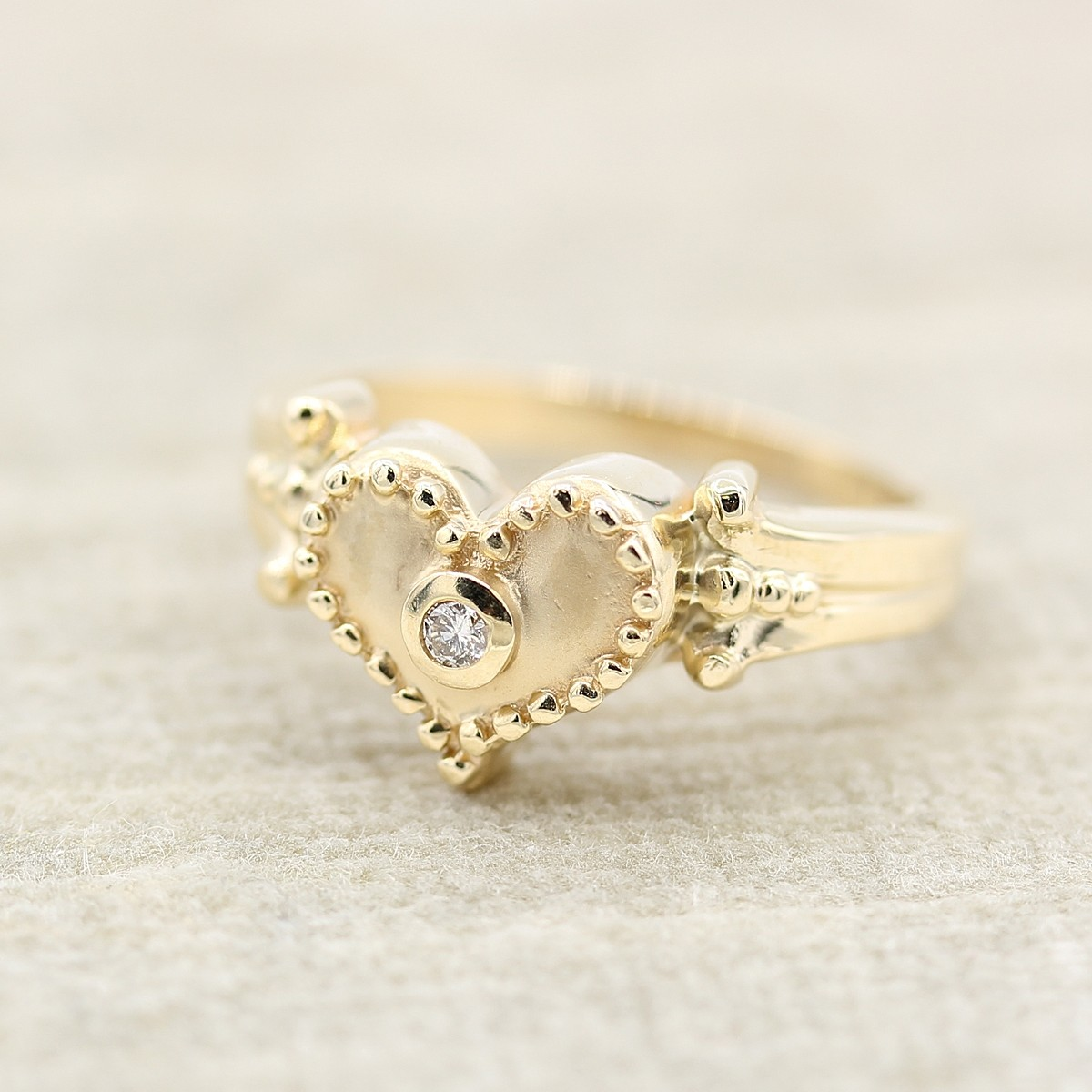 14KT HEART BEADED DIAMOND RING