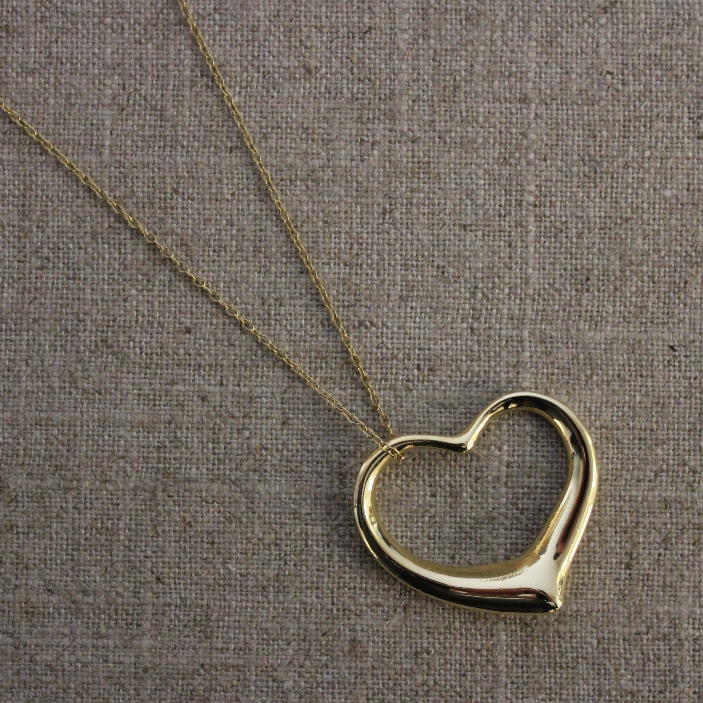 18K YELLOW GOLD TIFFANY AND COMPANY PERETTI HEART PENDANT