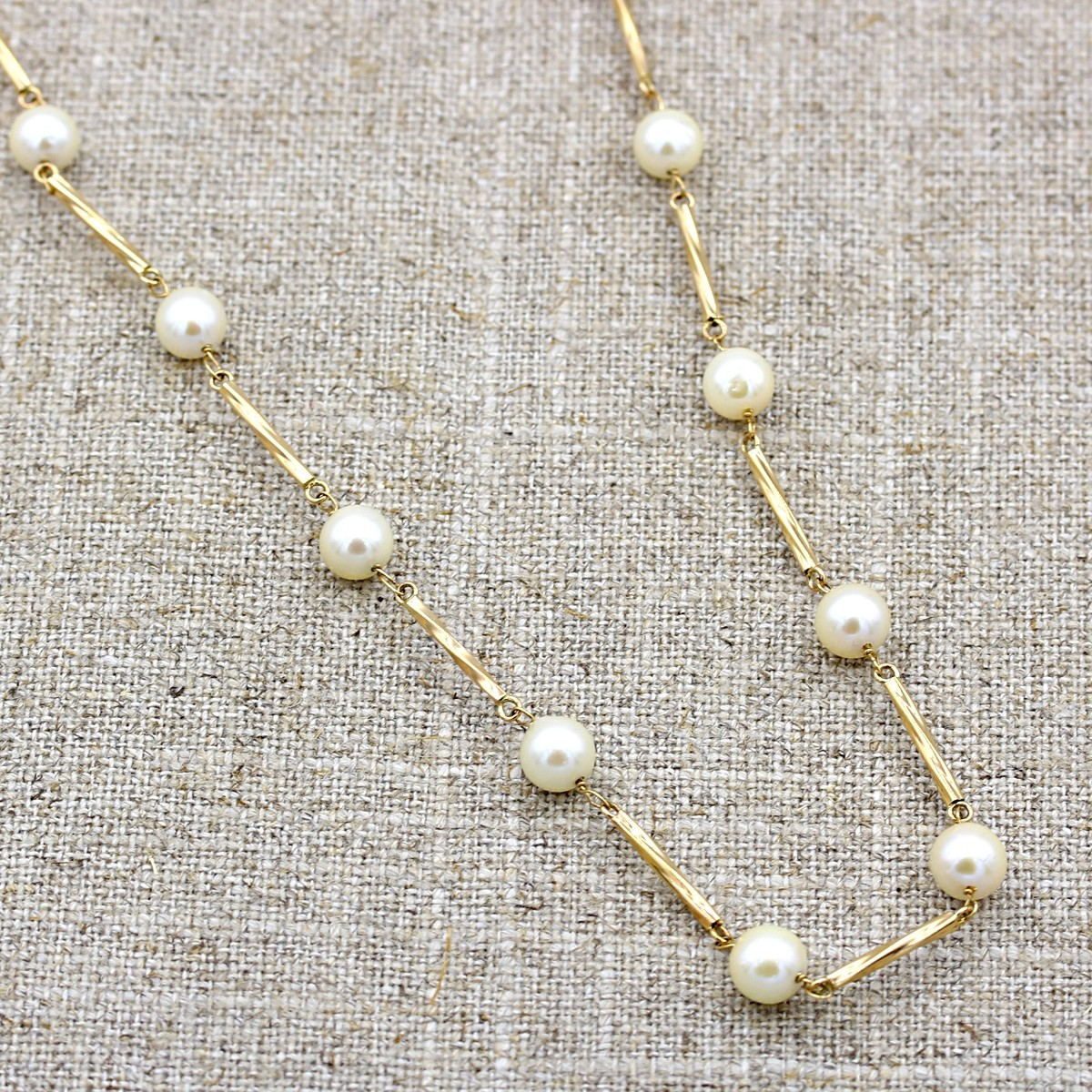 14KT YELLOW GOLD CULTURED AKOYA PEARL STATION NECKLACE