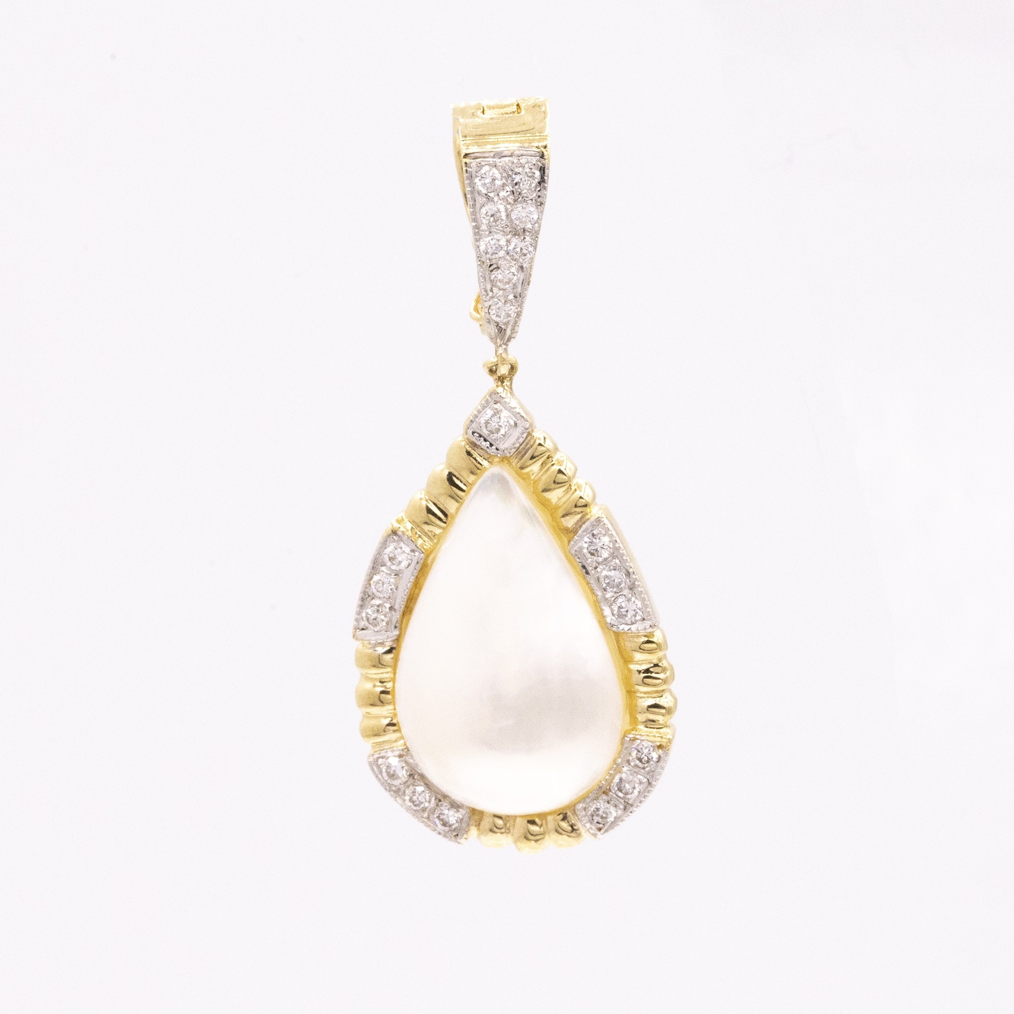 GOLD MABE PEARL WITH DIAMOND PENDANT