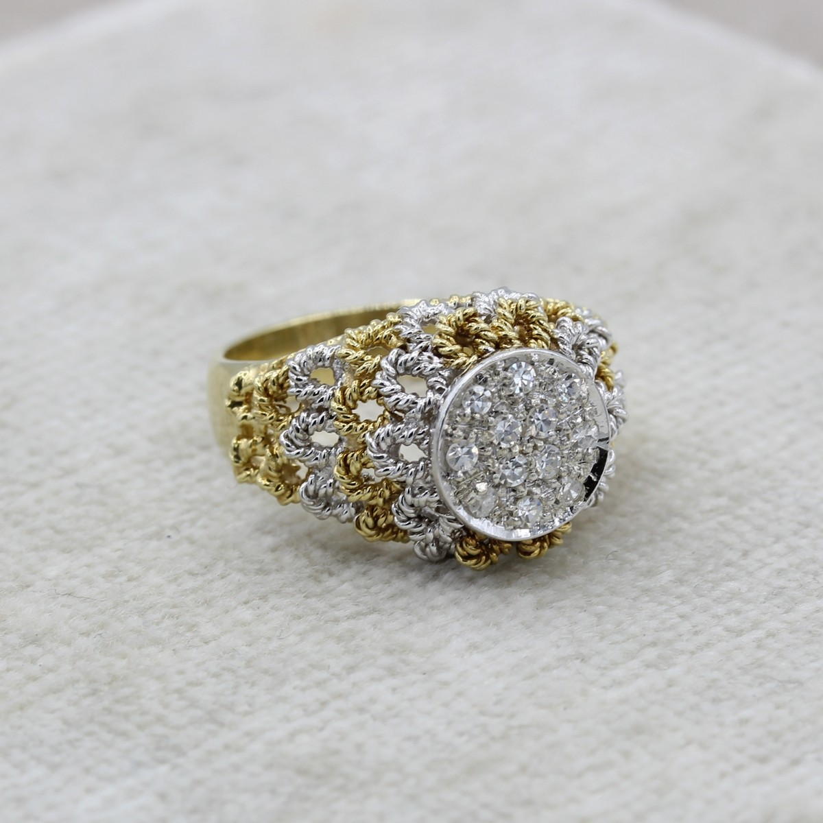 VINTAGE 18K YELLOW AND WHITE GOLD CLUSTER RING WITH OPEN PETALS