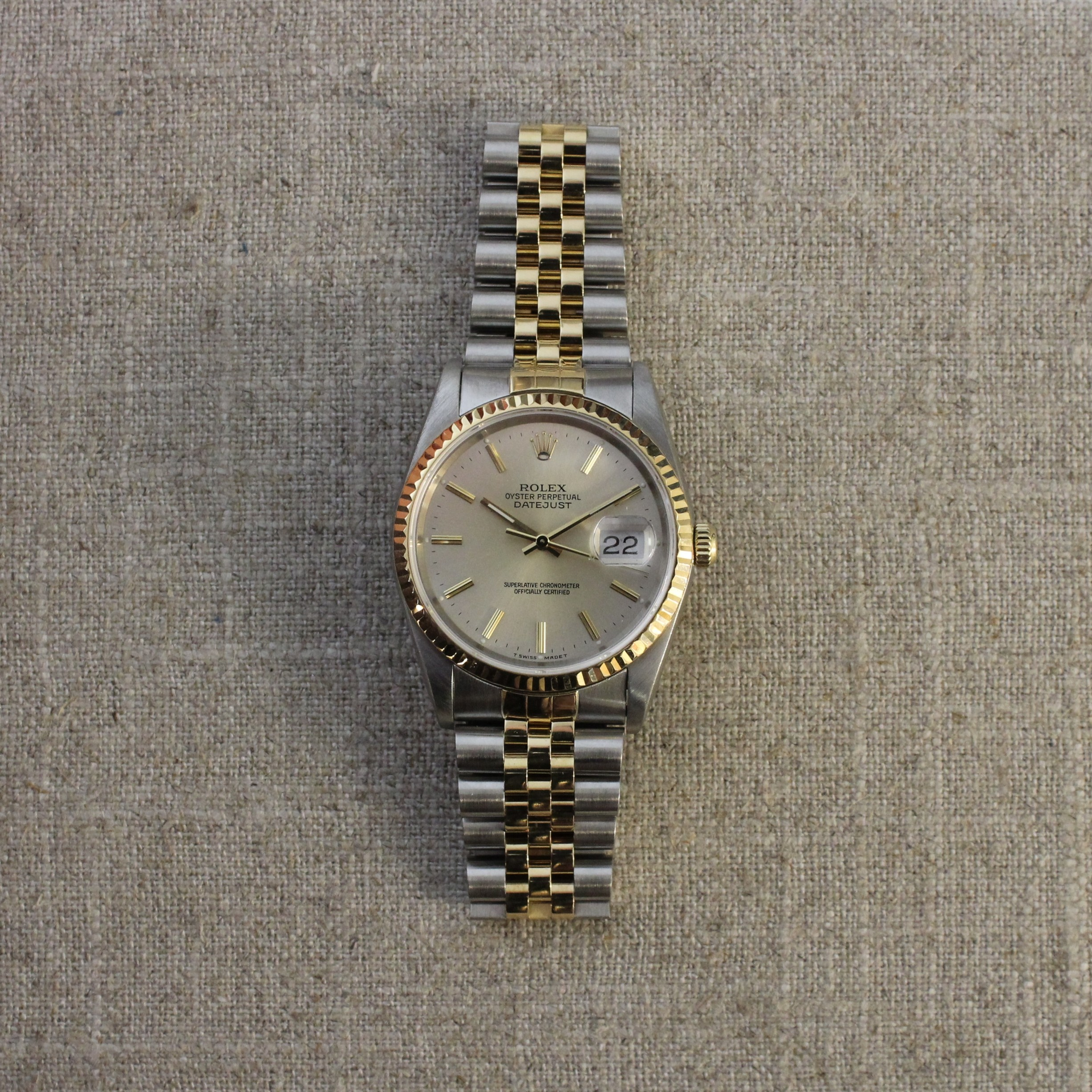 CIRCA 1990'S ROLEX DATEJUST 36MM STAINLESS STEEL AND 18K YELLOW GOLD